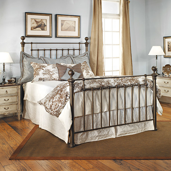 Pin by Andrea Tamás on Bedroom in 2020 Iron bed frame