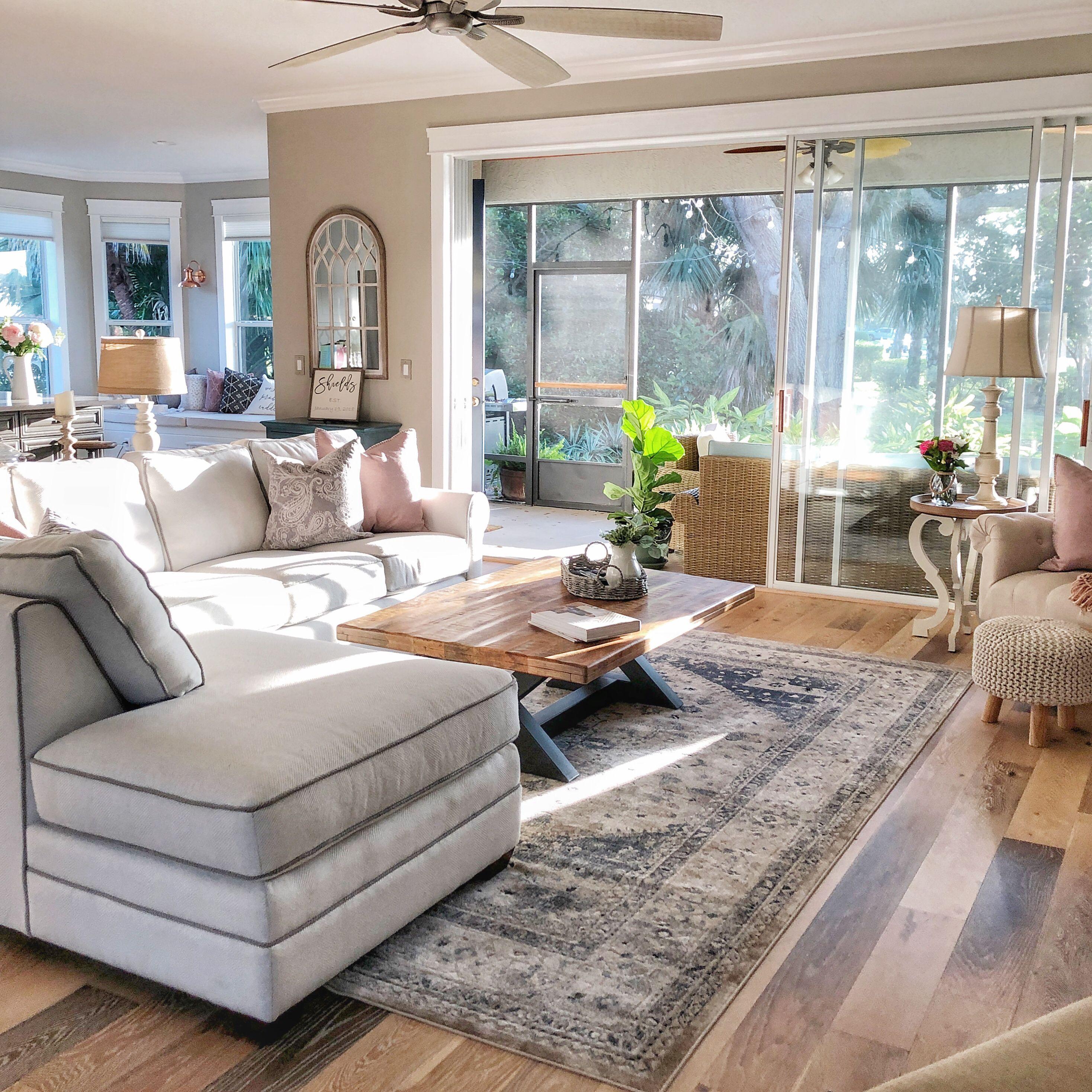 Braxton Culler Bedford Bumper Sectional Sofa Cabin Living Room