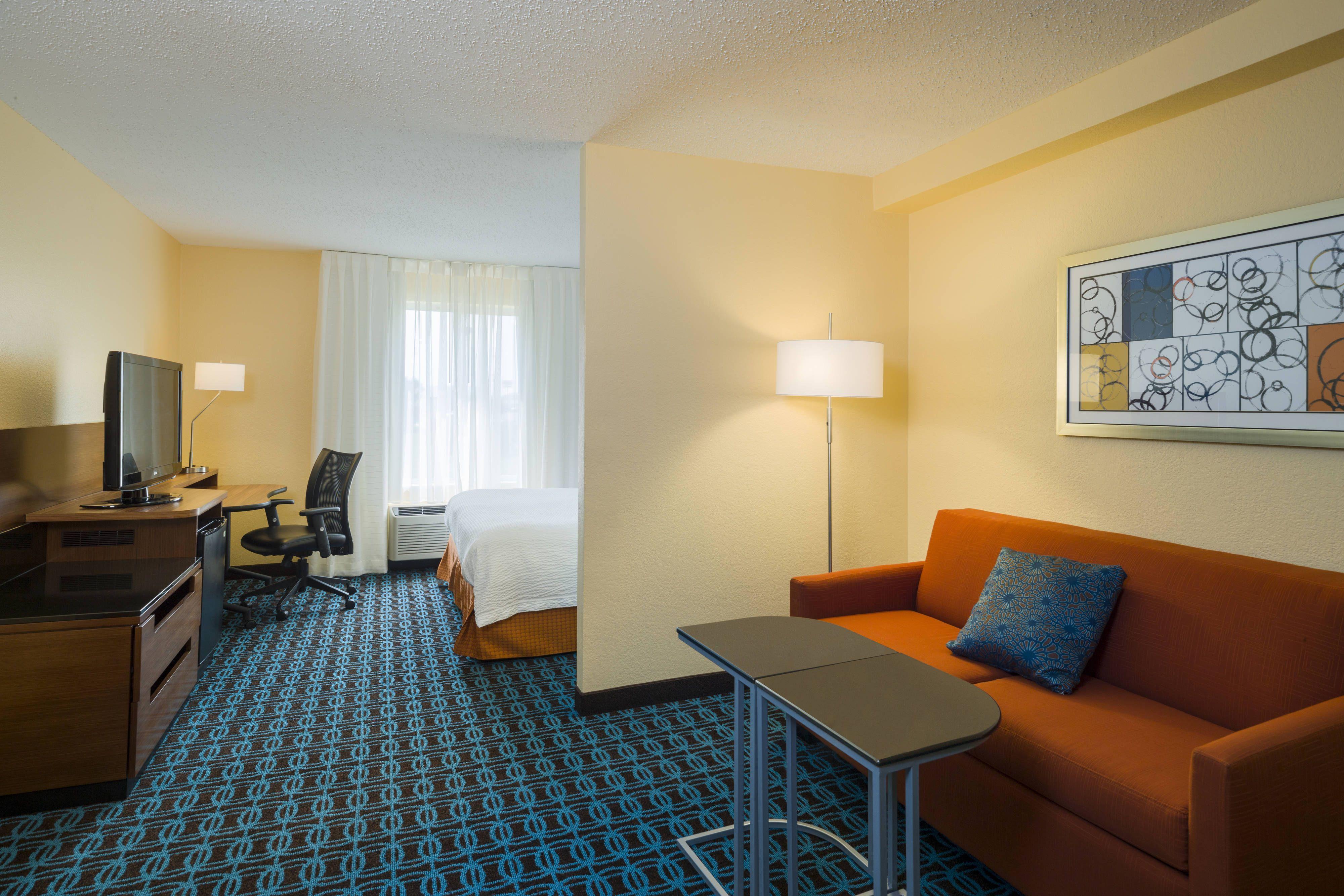 Fairfield Inn Paint Colors For Living Room Fairfield Inn Room