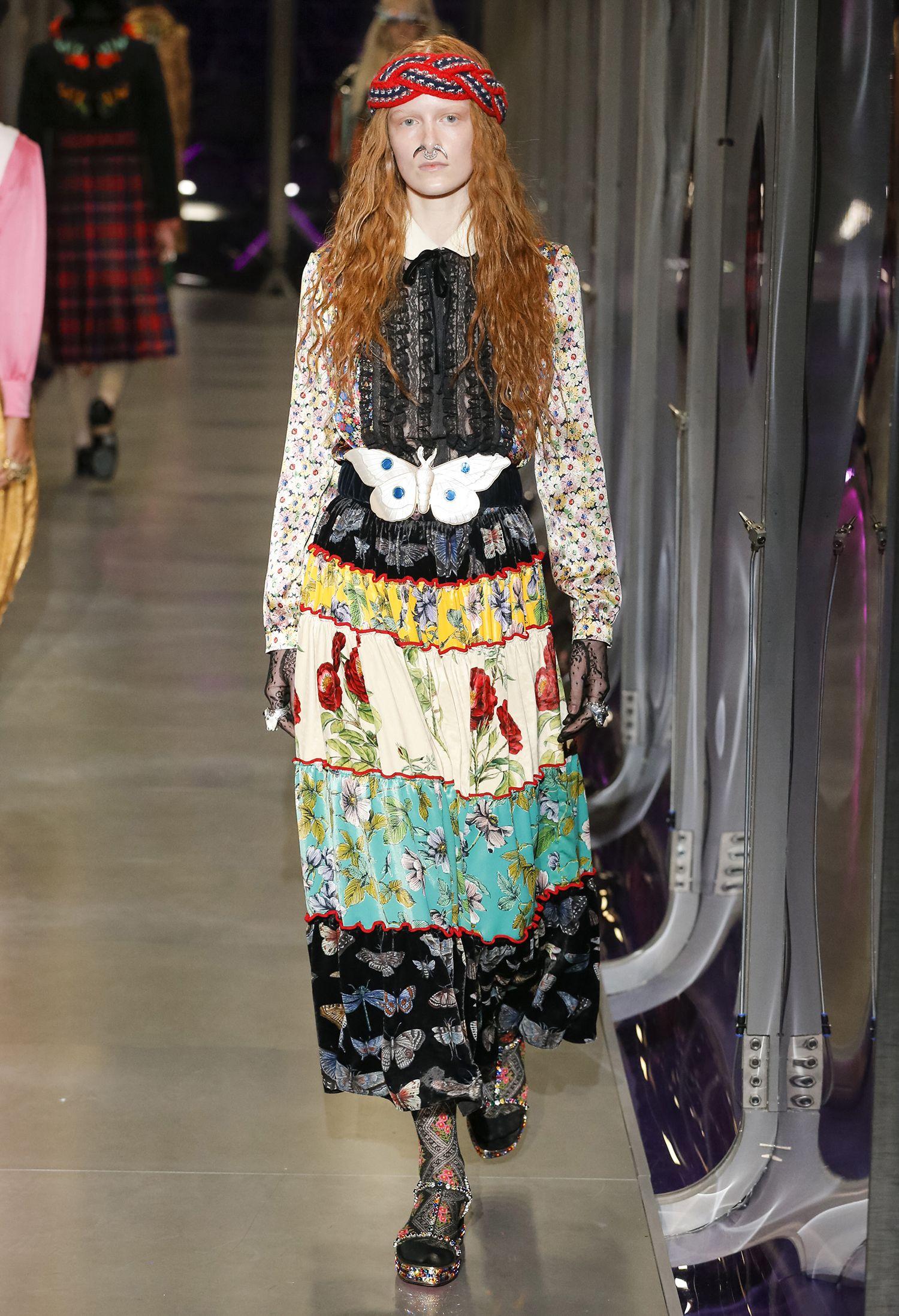 6e81c73cc1656 Gucci olha para passados remotos como o antigo Egito em seu inverno 2018 -  Vogue   Desfiles