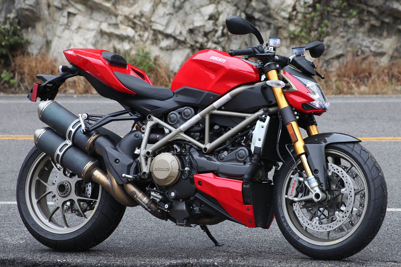 street fighter s from ducati motorbikes. Black Bedroom Furniture Sets. Home Design Ideas