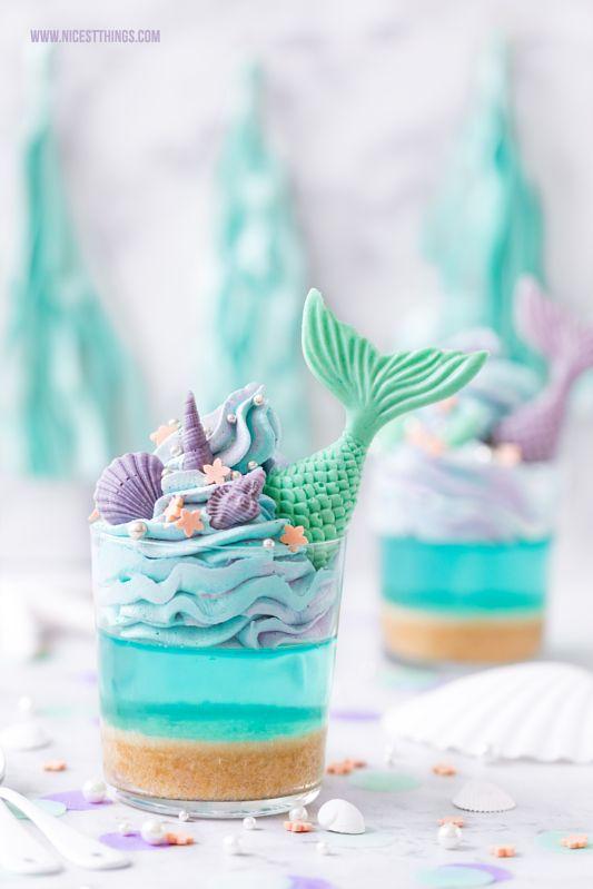 Meerjungfrau Dessert mit Meerjungfrauen Flossen & blauer Götterspeise zur Mermaid Party #fondant