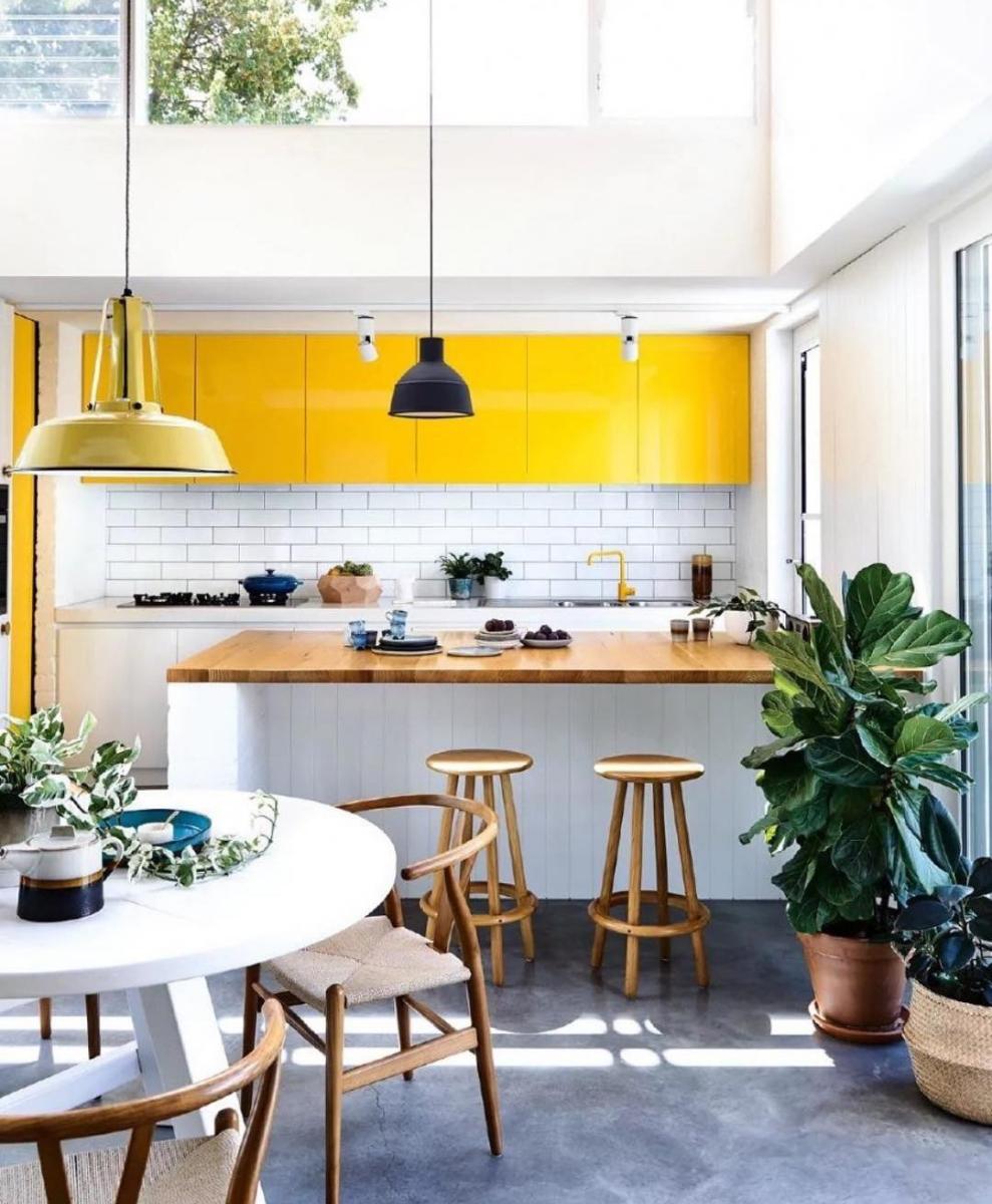 What S Hot On Pinterest Mid Century Modern Decor Unique Blog Home Decor Kitchen Modern Kitchen Mid Century Modern Kitchen