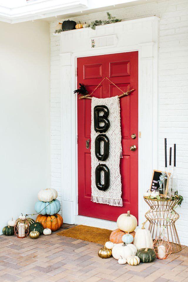 How to Style the Best Looking Halloween Door on the Block Front - decorating front door for halloween