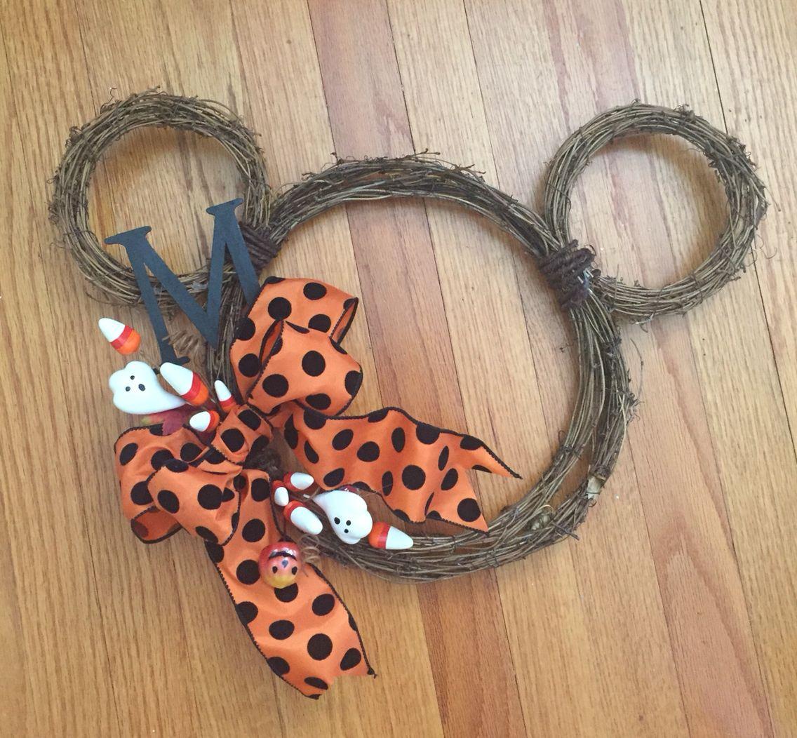 DIY Mickey wreath
