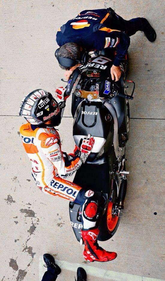 Marquez Awesome View From Top Con Imagenes Motocicletas De