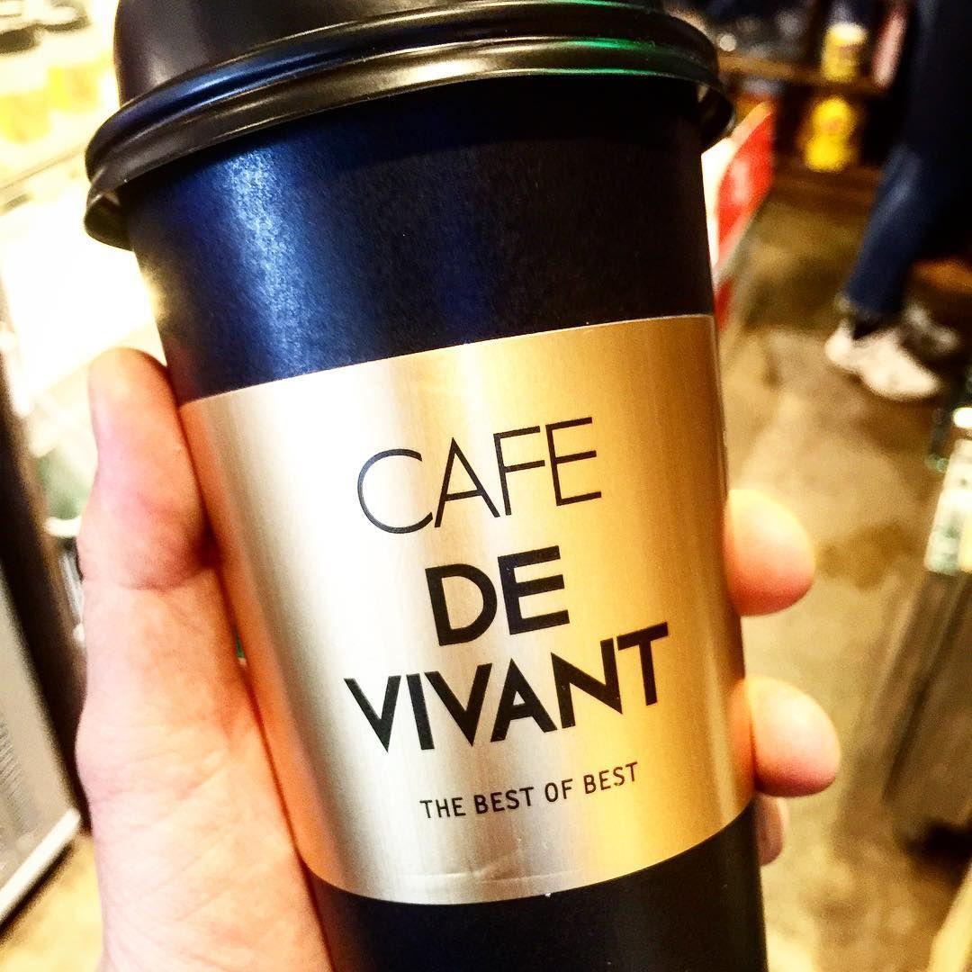 아빨리 제대로된 컵이랑 홀더 나왔으면  제대로 선보이고 싶다 DE VIVANT #devivant #드비반트 #cafe #cafelife  #홀더#컵홀더 #금장#allblack#cafedevivant
