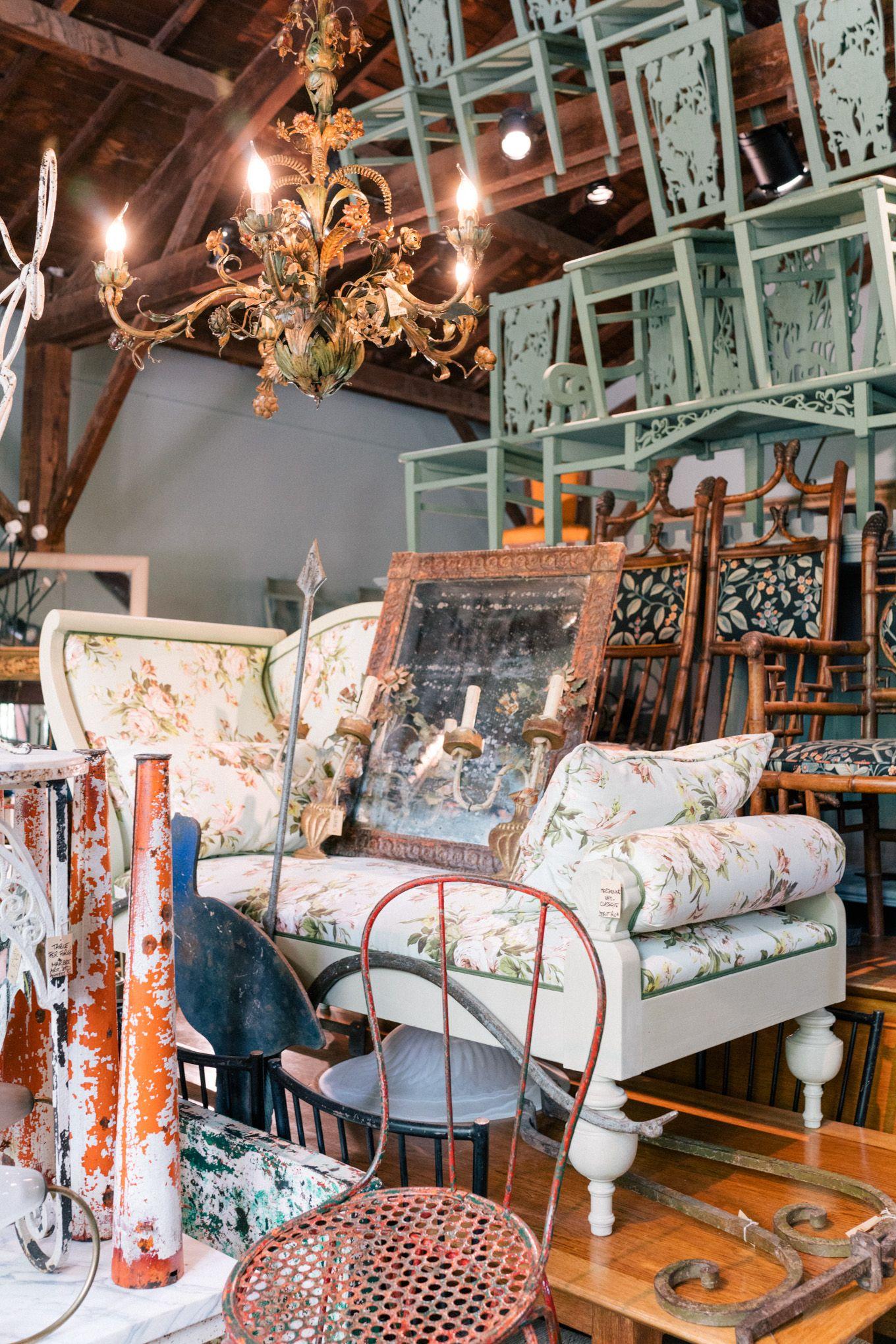 L Isle Sur La Sorgue Fontaine De Vaucluse Gordes Provence Julia Berolzheimer Provence French House Airy Room