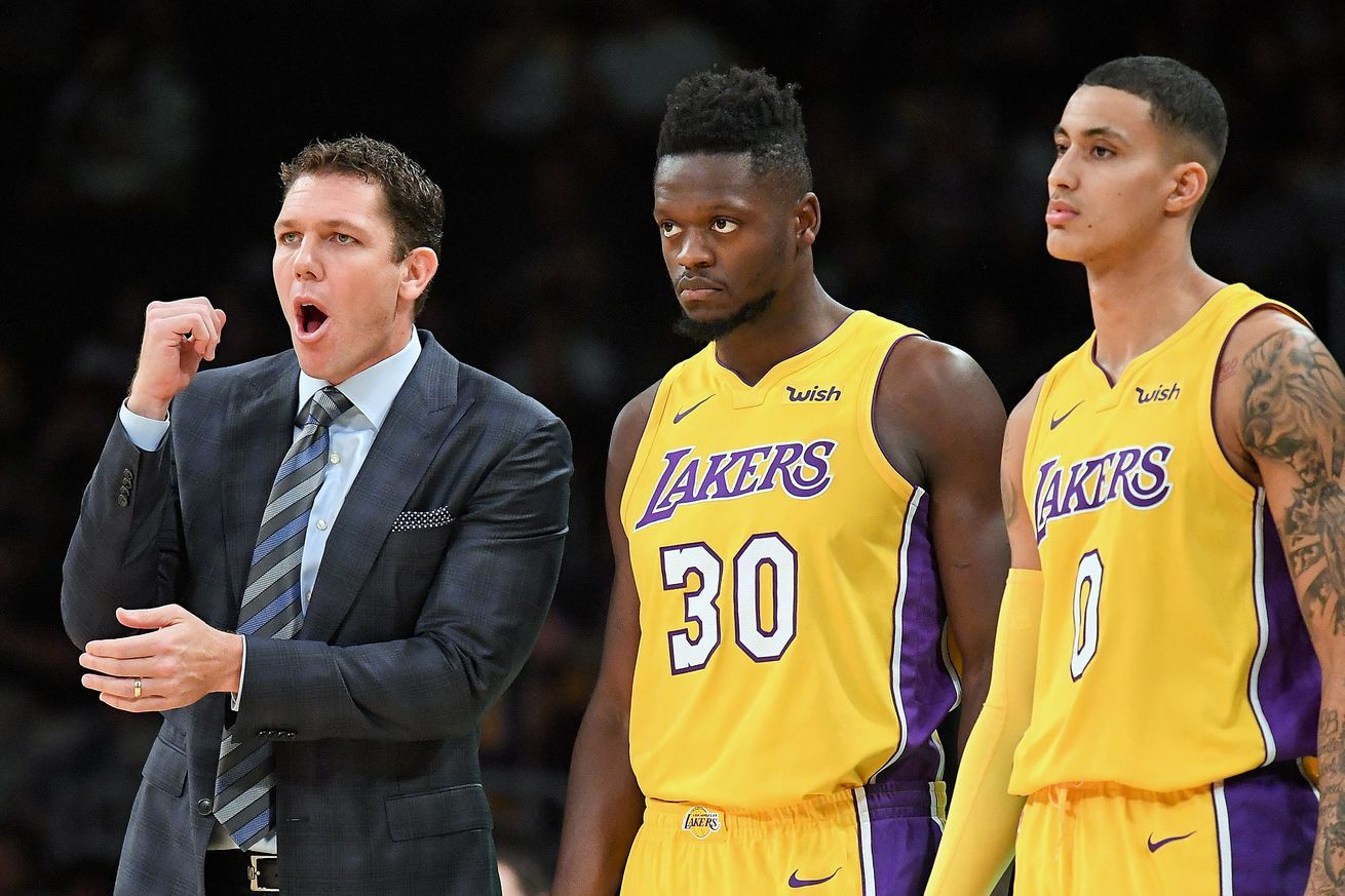 It S Time For The Lakers To Change Their Starting Lineup Lakers Lineup Julius Randle