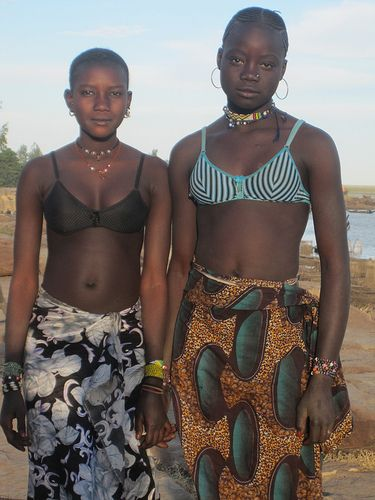 Photo Black Girls With Beautifully Short Hair Black Girls