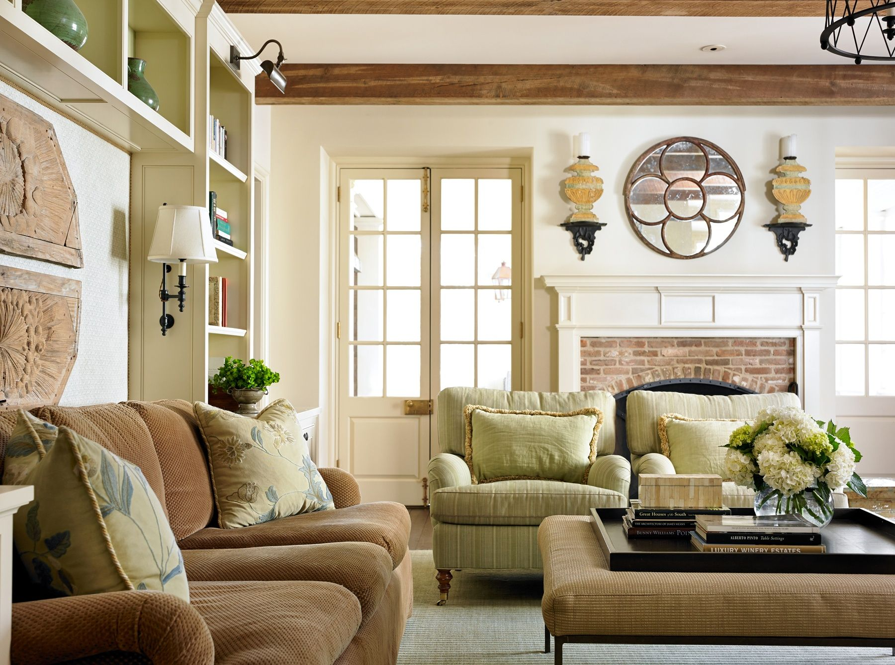 12 Things Every Living Room Needs to Be Complete | Luxury ...