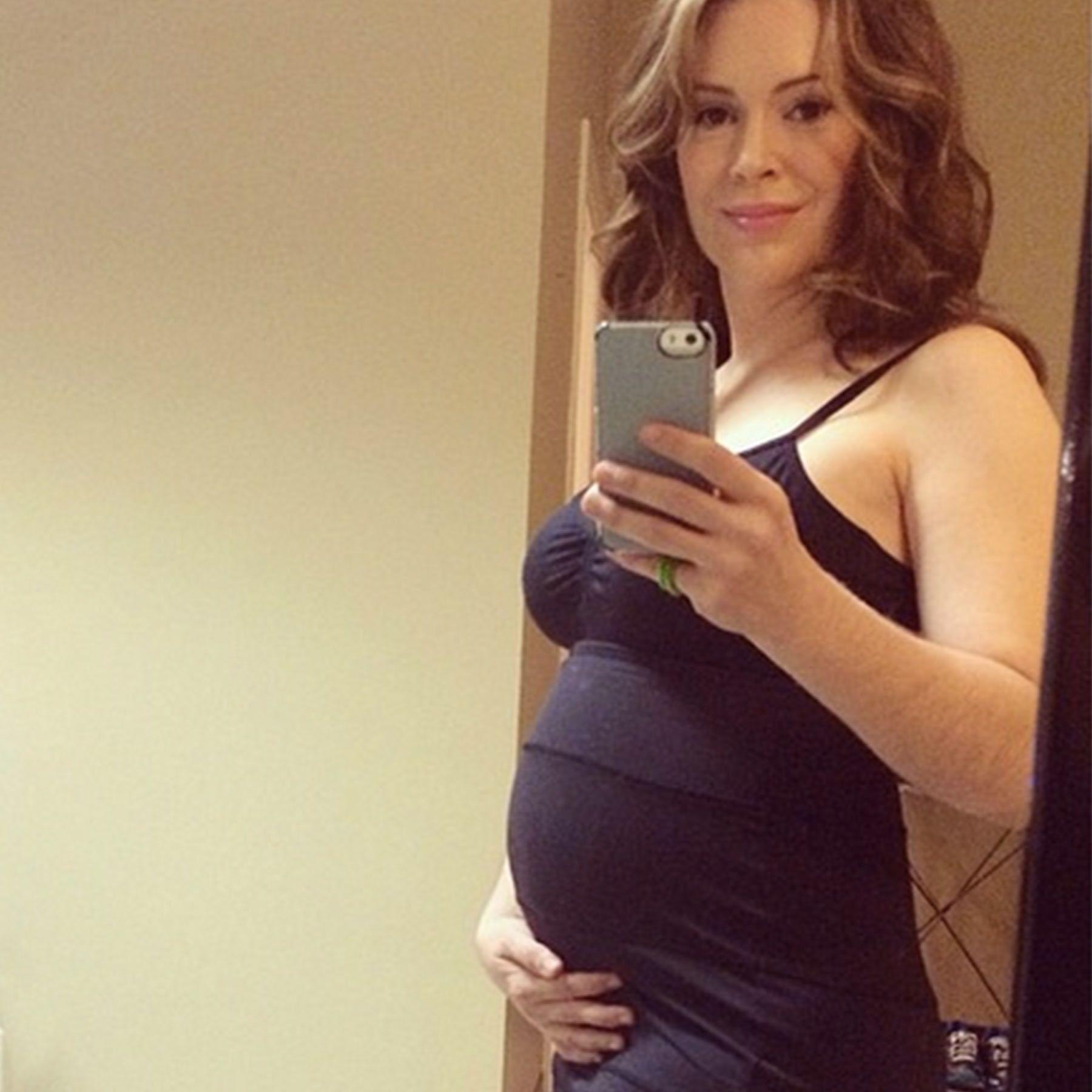 alyssa milano nude pregnant
