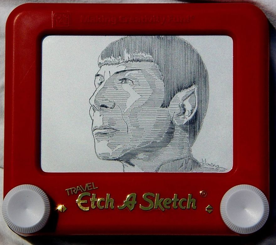Etchasketch artist creates mindblowing works by simply
