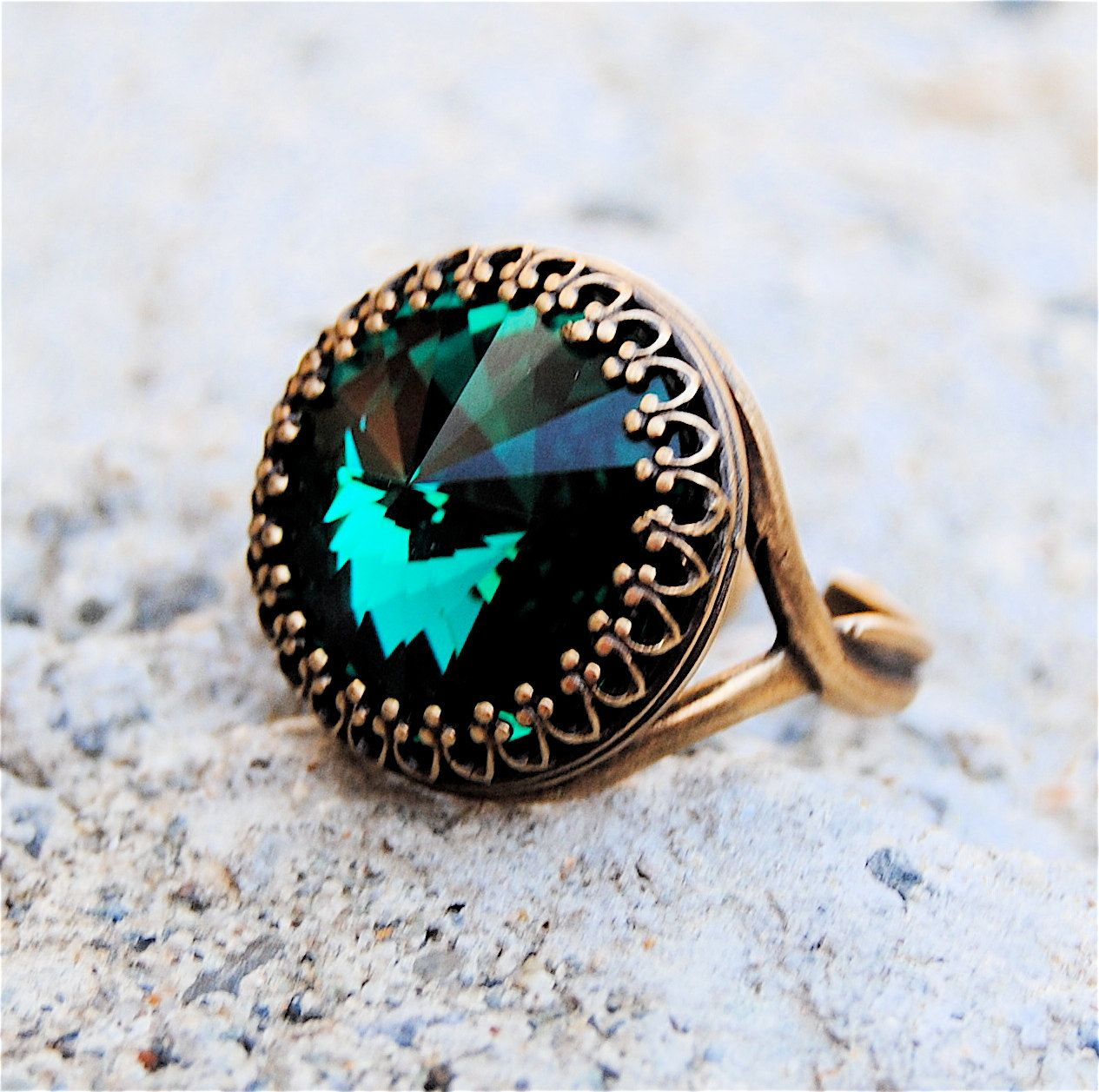 Swarovski Crystal Ring - Crown Victorian - Emerald Green and Antiqued Brass