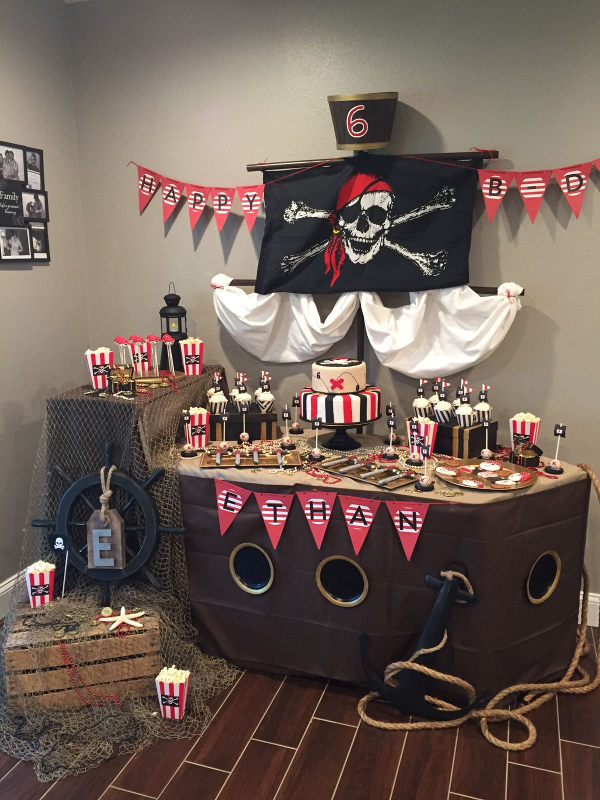 Pirate Ship Table Décoration Anniversaire Pirate #anniversaire #decoPirate  # Pirate #fete