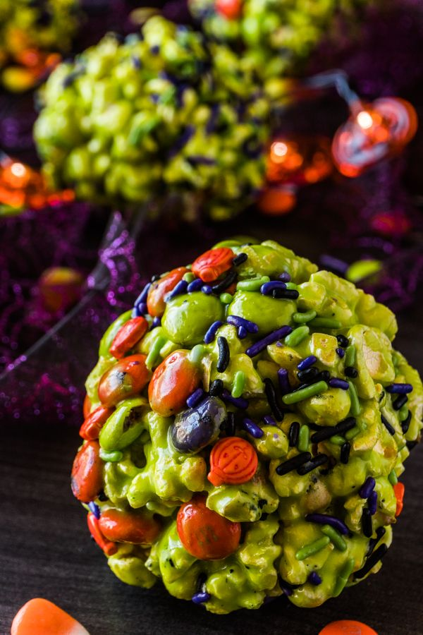 Easy Halloween Treats • A Table Full Of Joy #popcornballs