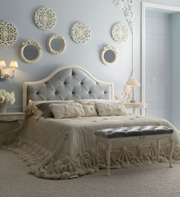 Classic Italian Designer Button Upholstered Bed | Board10 ...