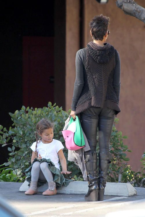 Nahla at preschool in Beverly Hills, Calif. on Friday (January 17).