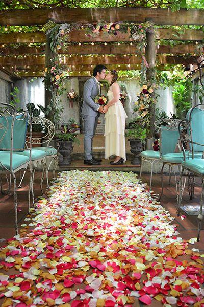 Transform Your Wedding Into An Enchanted Garden