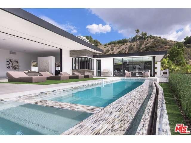 9200 Swallow Drive Los Angeles, CA 90069 (Hollywood Hills West)