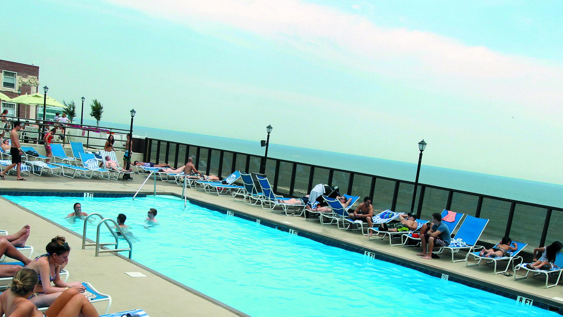 outdoor pool at tropicana atlantic city tropicana hotel. Black Bedroom Furniture Sets. Home Design Ideas