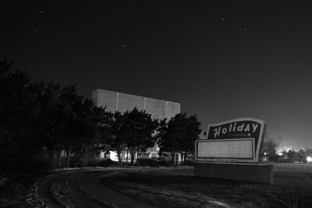 Drive In Reo >> Childhood Memories At The Holiday Drive In In Reo In Too Fun