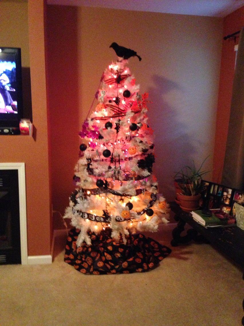 Halloween Xmas tree Halloween -BOO!!! Pinterest Xmas trees - halloween tree decoration