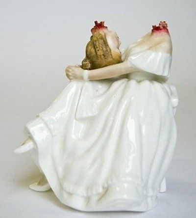 Jessica Harrisons Ceramic Sculptures Creative Creepy And Macabre - Amazingly disturbing porcelain figurines by maria rubinke