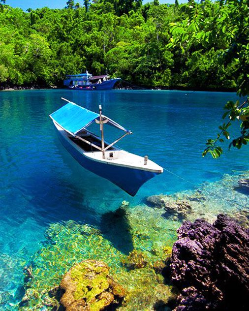 Sulamadaha crystal clear beach, Ternate, North Maluku ...
