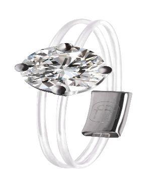 Bague transparente et diamant