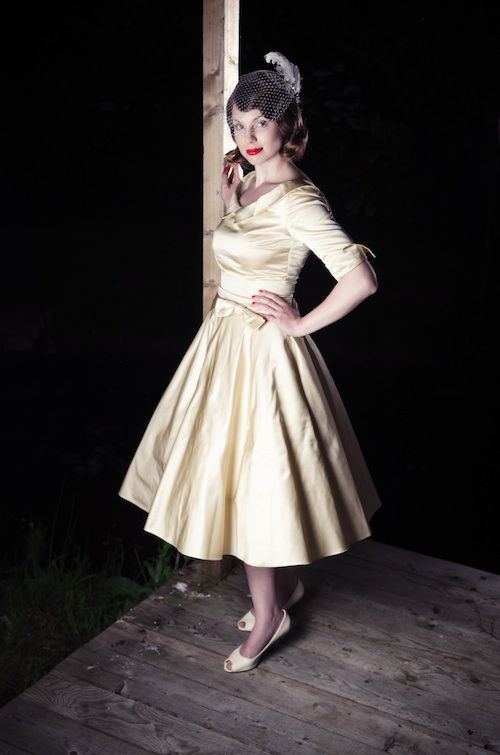 Fifties style wedding dress. Like it. | Oh, the dresses... and the ...