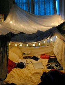 This Easy Diy Blanket Fort Is Perfect For A Weekend