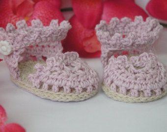 PATRÓN de ganchillo crochet baby booties no34 por elifinedesigns