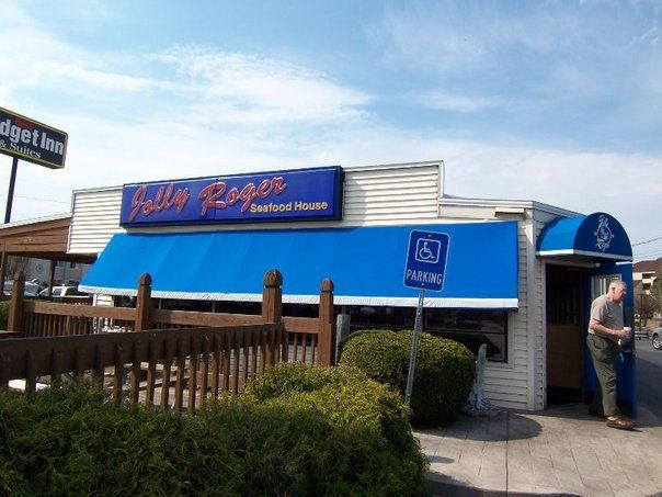 Jolly Roger Restaurant Port Clinton Oh The Best Fresh Walleye Deep Fried Mushrooms And Waffle Fries