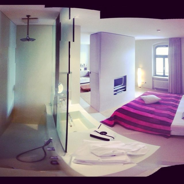 http://www.roomcritic.com/guest-photos-video-reviews/europe/germany/berlin/lux-eleven-hotel