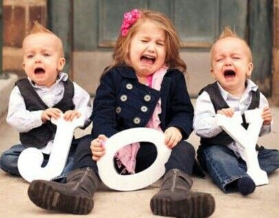 Attrayant 2013 Christmas Kids Photo,funny Kids Picture Idea Of Christmas,several  Crying Kids Holding JOY Sign Photo For