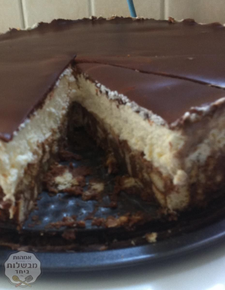 כשממהרים ואין מספיק זמן להכנות השבת אז מכינים עוגה קלה וטעימה ב 10 דקות הכנה ויאללה למקפיא😍😍הפעם בציפוי גנאש שוקולד