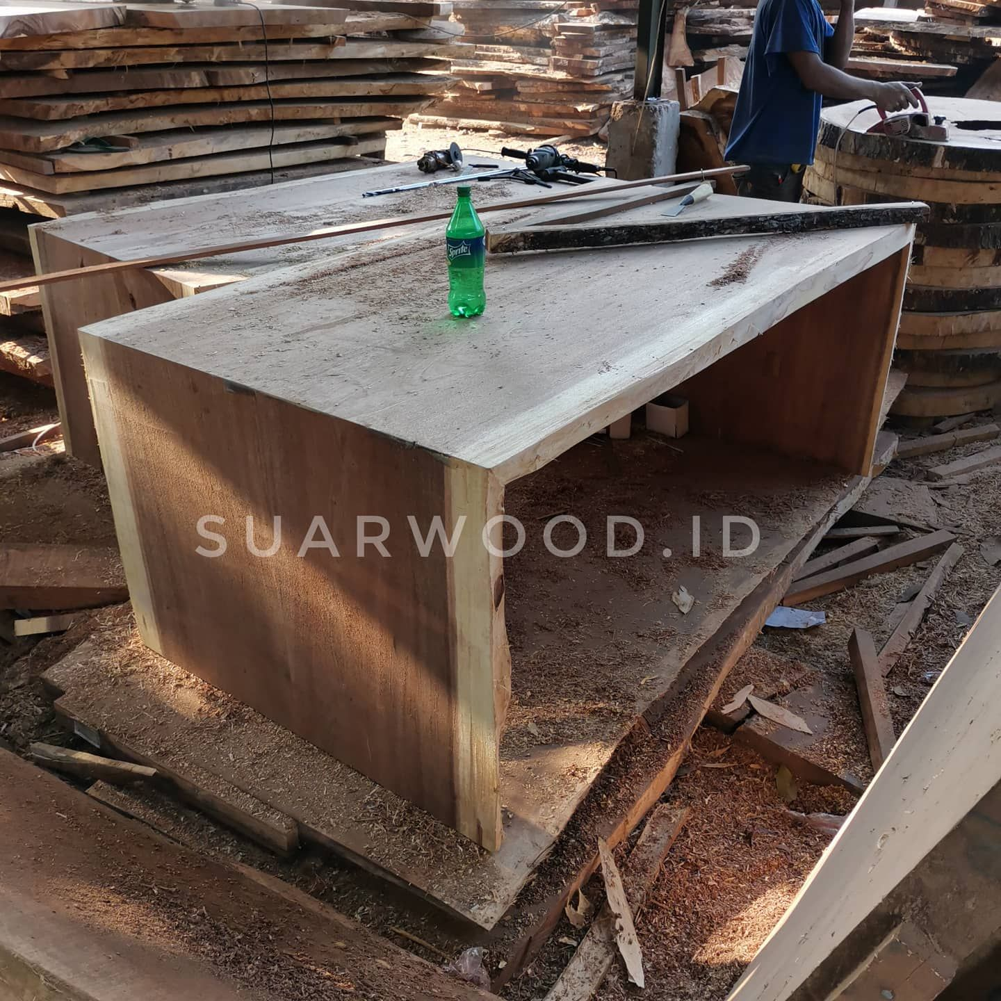 Cheapest Price River Table Suar Wood Solid Live Edge Design Furniture Manufacturer And Indonesia Supplier Custom And Hand Made Supplier Retailer Manufact Di 2020 Suar