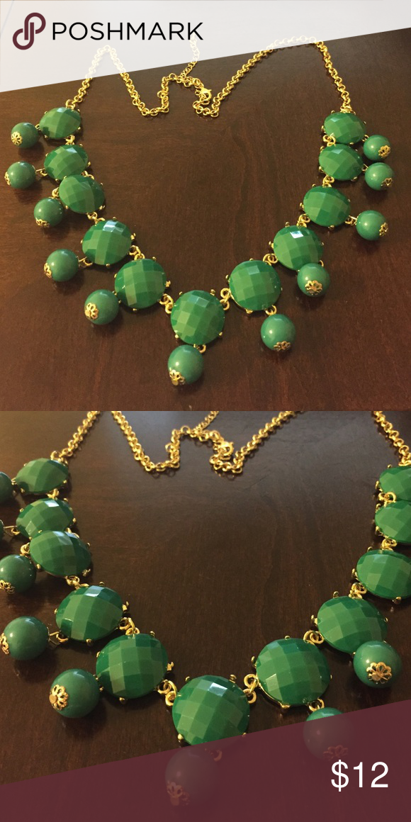 Beautiful green gold statement necklace Great statement necklace for this fall!! boutique Jewelry Necklaces