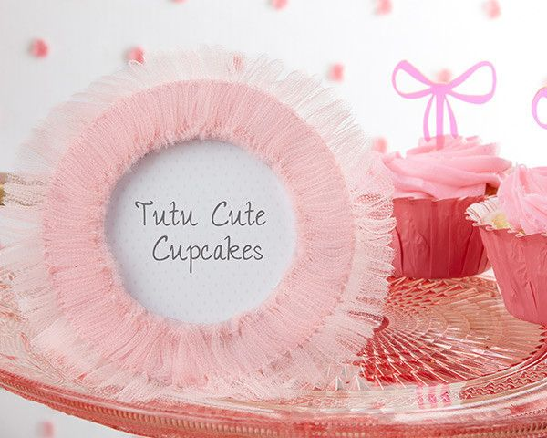 Tutu Cute Tulle Photo Frame All out of fun ideas for that ballerina themed birthday party or tutu cute baby shower you're throwing?  #baby #babyshowerideas #babyboy #babygames
