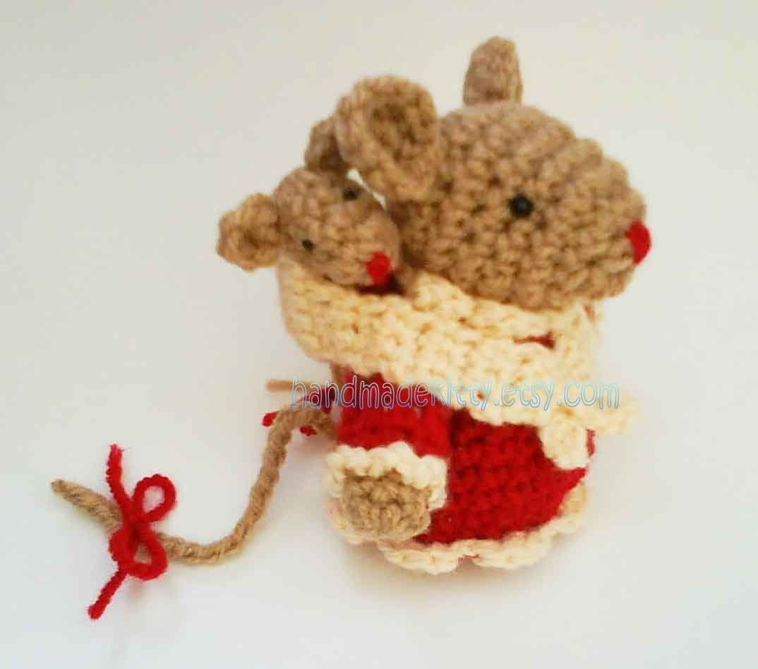 etsy.com   Mommy Mouse and Baby Mouse in baby sling Amigurumi ...