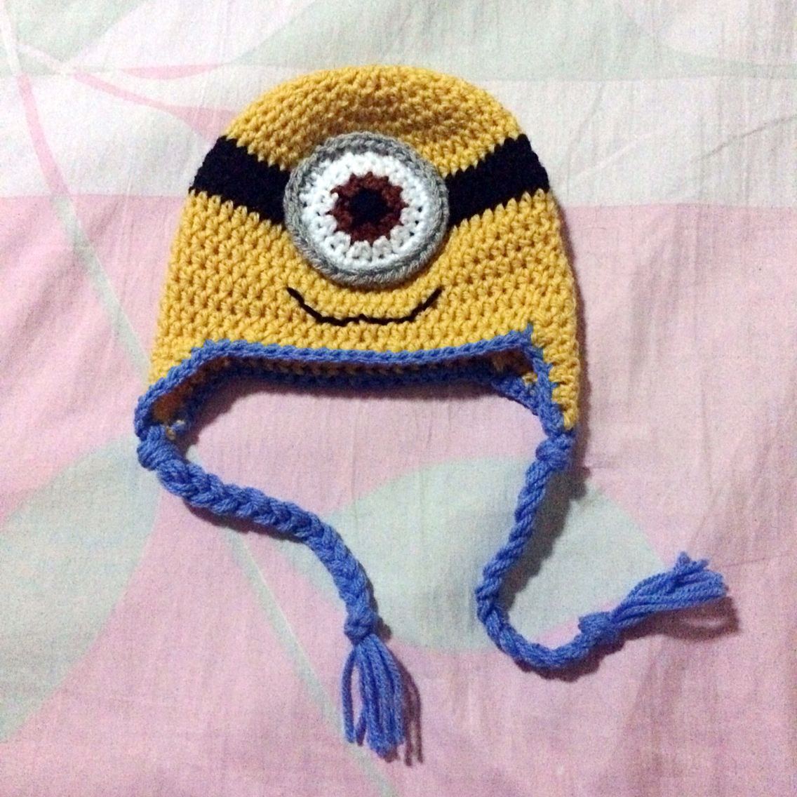 Bello~ Crochet Minion Hat Pattern by Repeat Crafter Me http://www ...