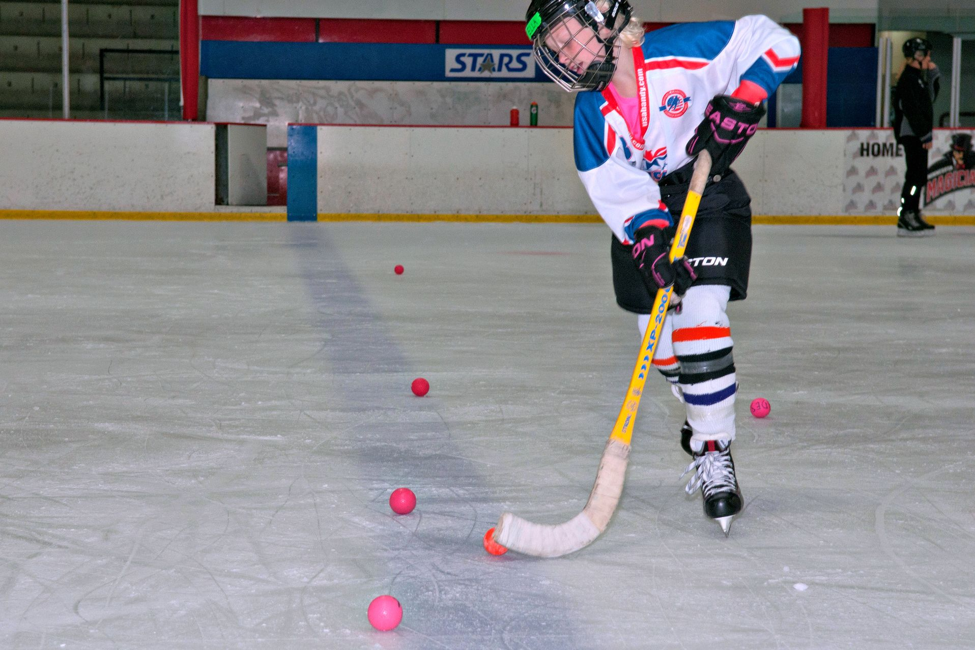 Getting Started With Ice Hockey Classes And Leagues At Rinks Around La And The Valley Los Angeles With Kids Olympic Hockey Kids Things To Do