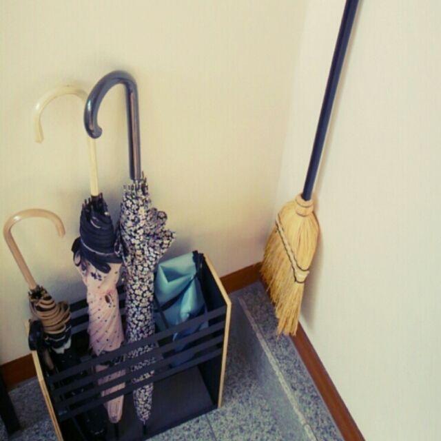 玄関 入り口 築35年 中古住宅 ブログ更新しました ニトリ 傘立て