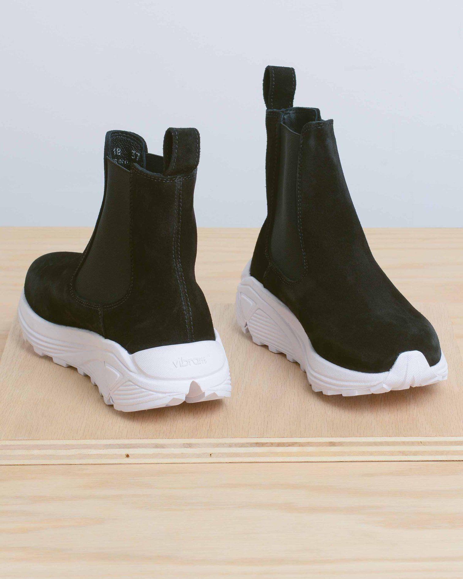 442fd22e14bc Black Verona Runner Boots