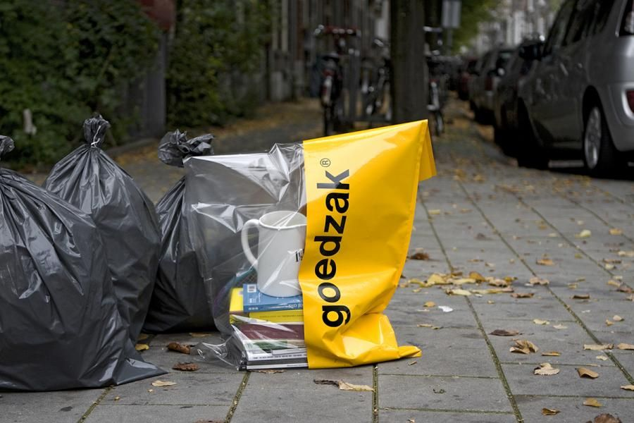 Goedzak: A trash bag that promotes easy scavenging, salvaging | MNN - Mother Nature Network