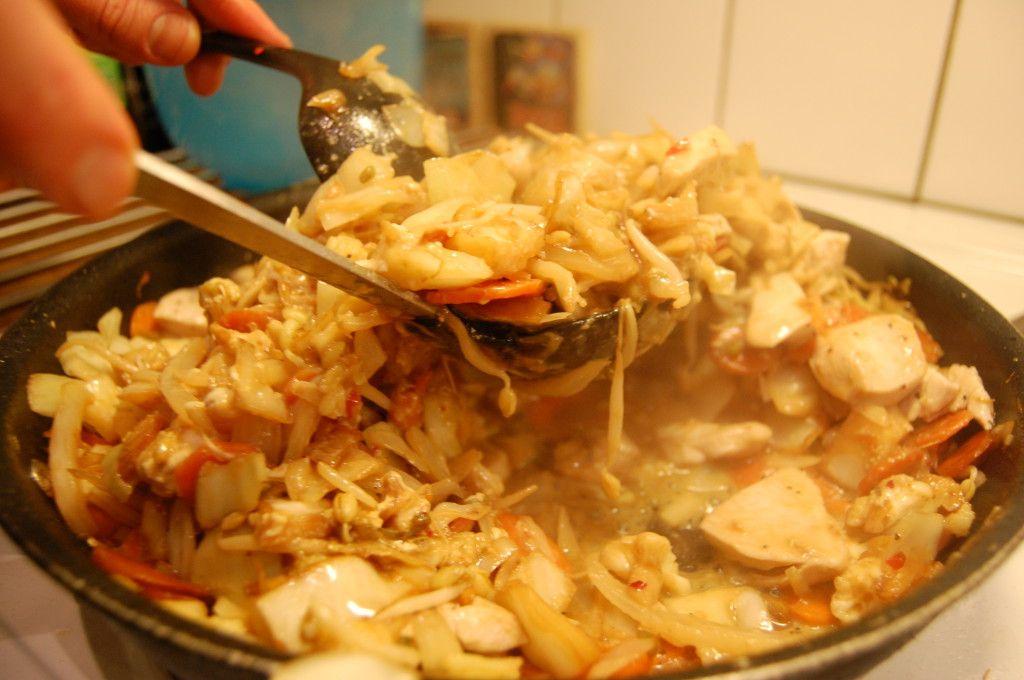 pad thai vitkål