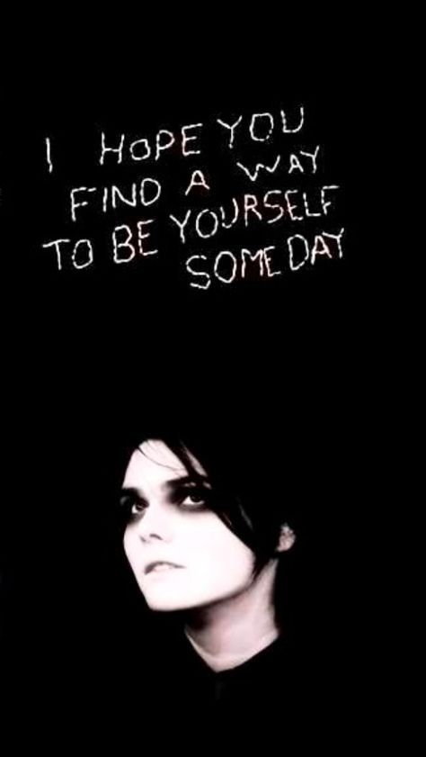 Pin By Quiz190 On My Chemical Romance In 2020 With Images My Chemical Romance My Chemical Romance Wallpaper Gerard Way