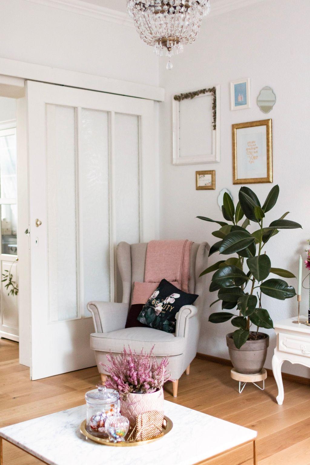 Unsere gemütliche Sitzecke #cozy #gemütlich #Wohnzi  Sitzecke