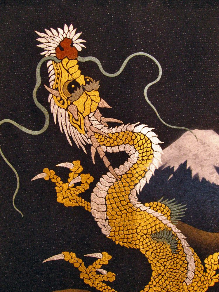 Dragons have long been recognized an an traditional for Japanese dragon painting